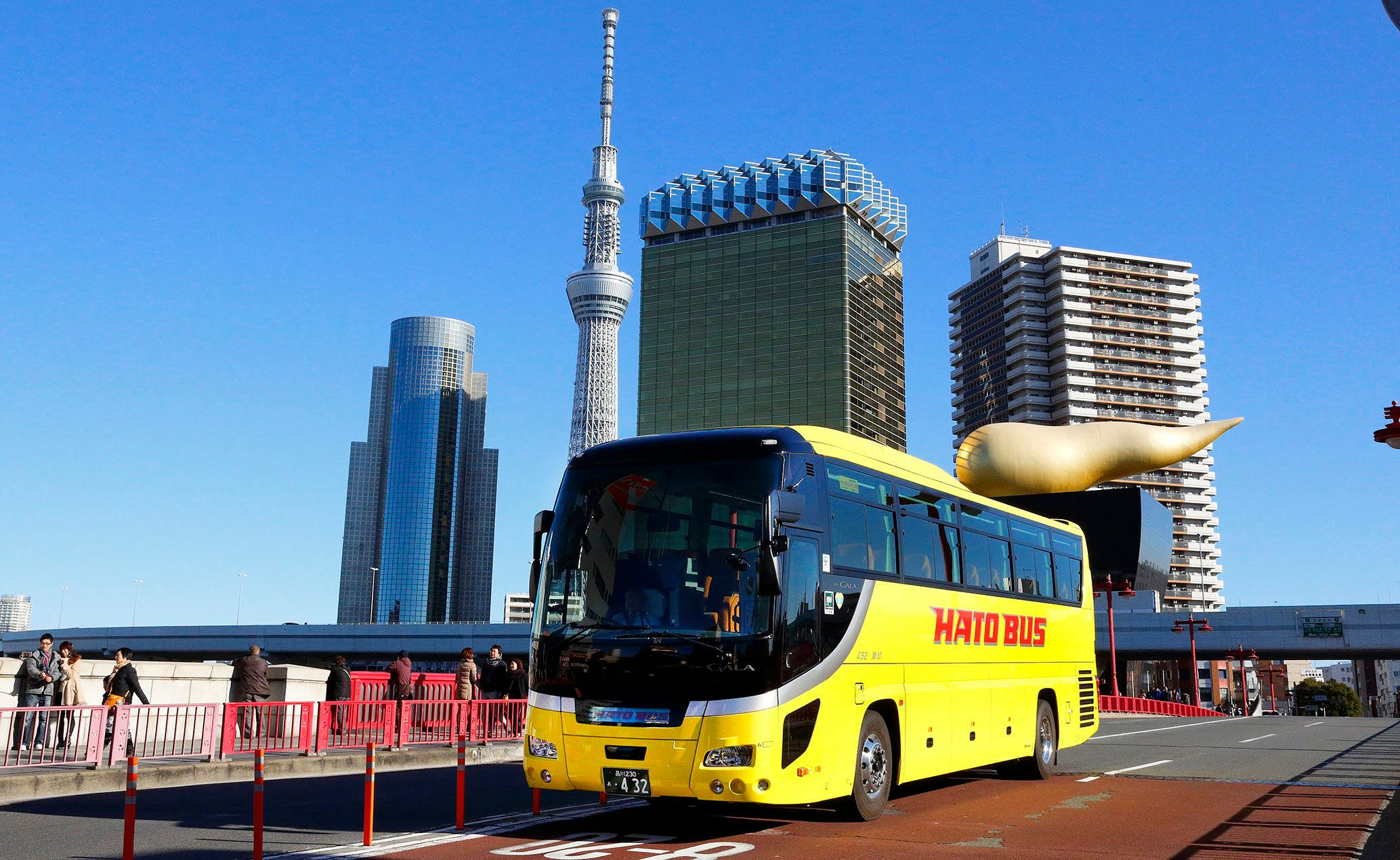 都内を走るはとバス