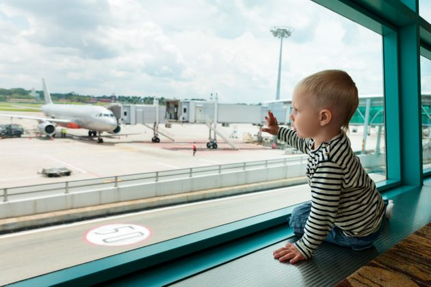 Αεροσκάφος επέστρεψε στο αεροδρόμιο γιατί μια μητέρα είχε ξεχάσει το μωρό της στον τερματικό