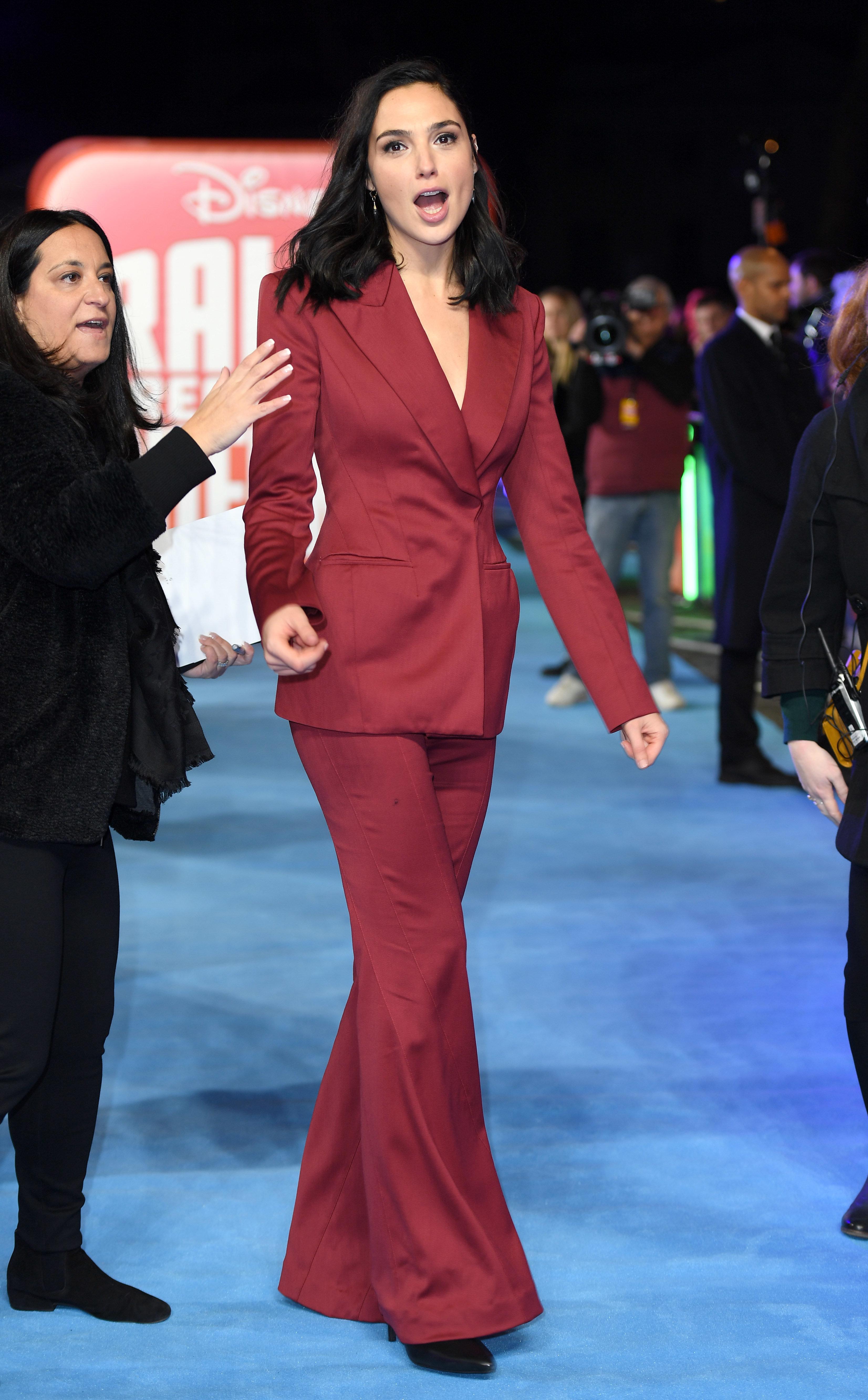 Wonder Woman εναντίον Νετανιάχου - Η ισραηλινή ηθοποιός Γκαλ Γκαντότ υπερασπίζεται τους