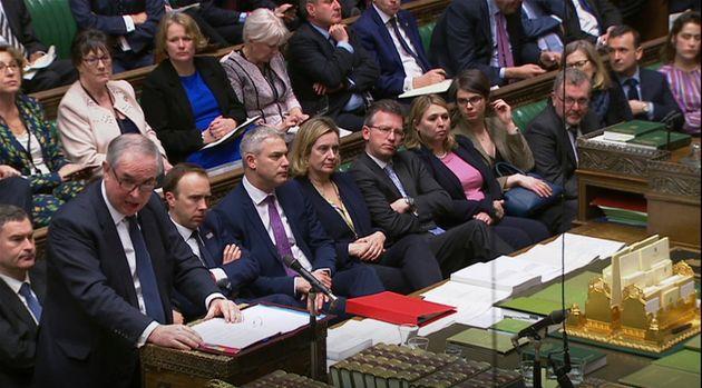 Trotz Zugeständnissen der EU: Warum der Widerstand gegen Mays Deal so groß