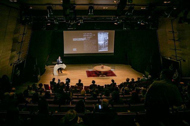 Ιδρυμα Ωνάση: Ψηφιοποίηση του Αρχείου Καβάφη και νέο κτίριο για τον