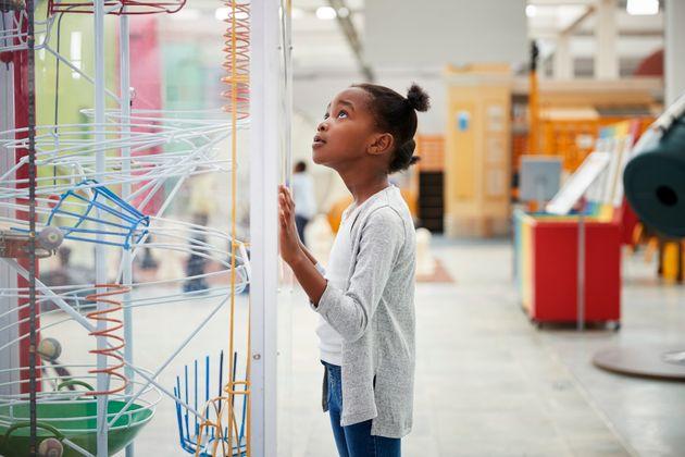 'Meninas com ciência', curso do Museu Nacional só para garotas está de