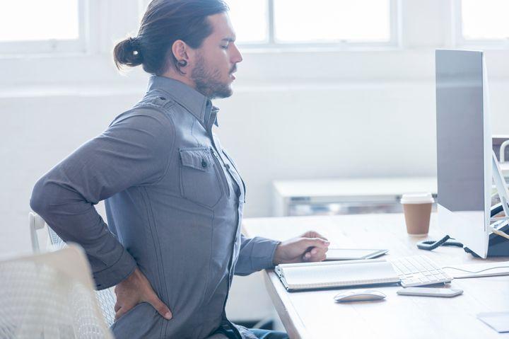 La lombalgia è estremamente comune e colpisce circa 1 persona su 8.