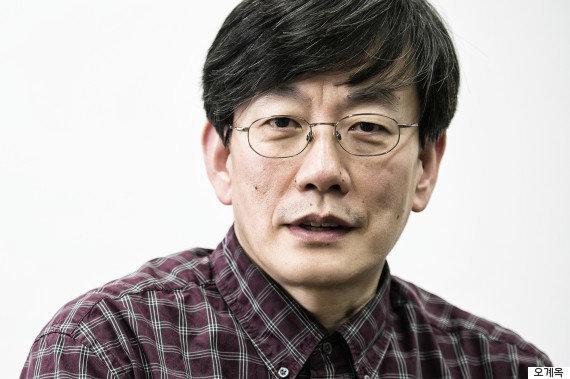 """[허프 인터뷰] 손석희 """"뉴스는 새장 속에 갇혀있으면"""