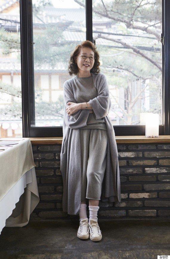 [허프 인터뷰] 윤여정, 어른은 열심히