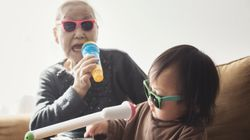 Πώς η Ιαπωνία βοηθά τους ηλικιωμένους να είναι ευτυχισμένοι και να περνάνε