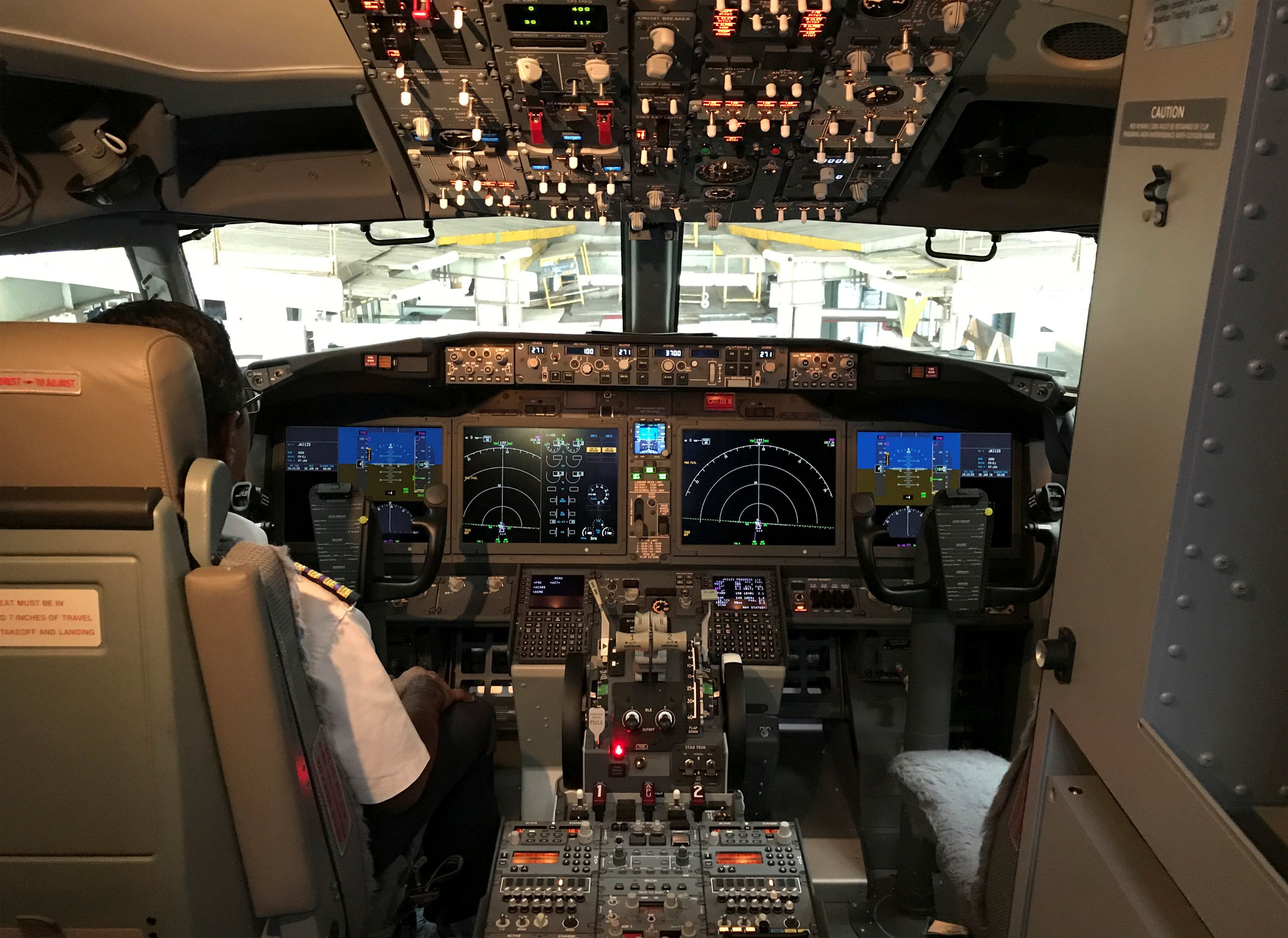 Πιλοτήριο Boeing 737 Max (φωτογραφία