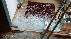 Καρέ-καρέ η διάρρηξη σε βιβλιοπωλείο στα Σεπόλια – Συμμορία τα κάνει