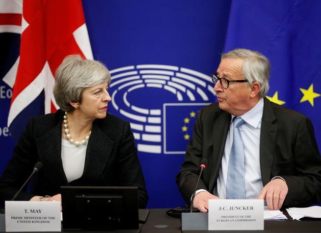 Bericht: EU-Kommission legt 3 Szenarien für Brexit-Verschiebung