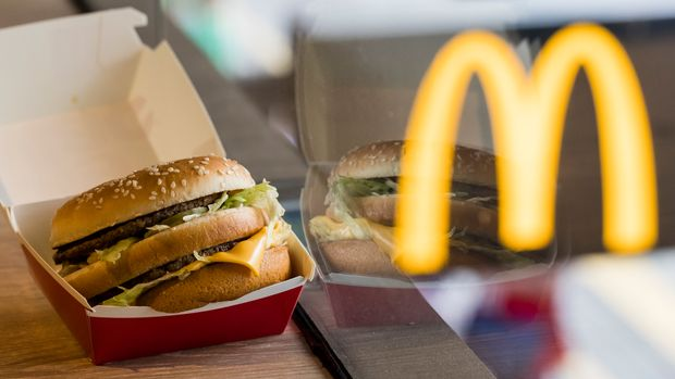 Hong Kong, Hong Kong - AUGUST 02: McDonald's Big Mac is seen in Hong Kong, Hong Kong, on August 02, 2018. McDonald's is giving away free big macs for the burger's 50th birthday. McDonald's sold 1.3 billion Big Macs last year, according to the chain. (Photo by Yu Chun Christopher Wong/S3studio/Getty Images)