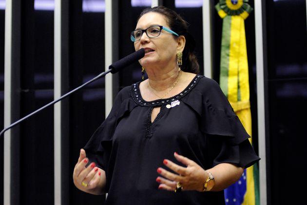 Vice-presidente da CCJ,Bia Kicis (PSL-DF)apresentou neste ano um projeto de lei da Escola...