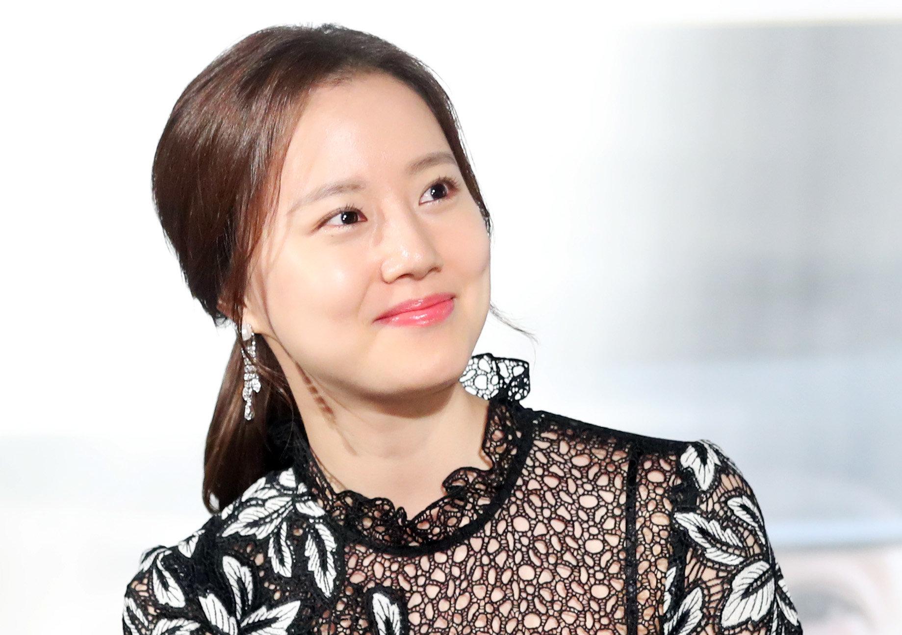배우 문채원 측이 '정준영 찌라시' 및 인스타그램 해킹에 대해 밝힌