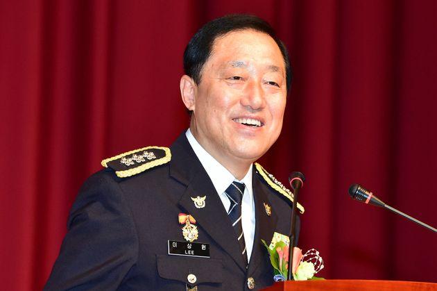 이상원 전 서울지방경찰청장이 '경찰 유착 의혹'에 대해