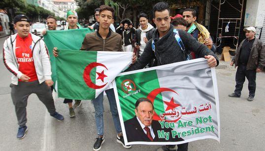 M. Bouteflika, entrez dans votre labyrinthe, évitez-nous le