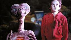El niño de 'E.T' protagoniza la serie de éxito de Netflix y no te habías dado