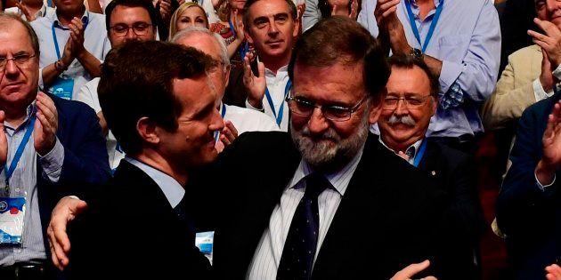 Rajoy da plantón a Casado: no acude a la interparlamentaria del PP pese a estar en la misma