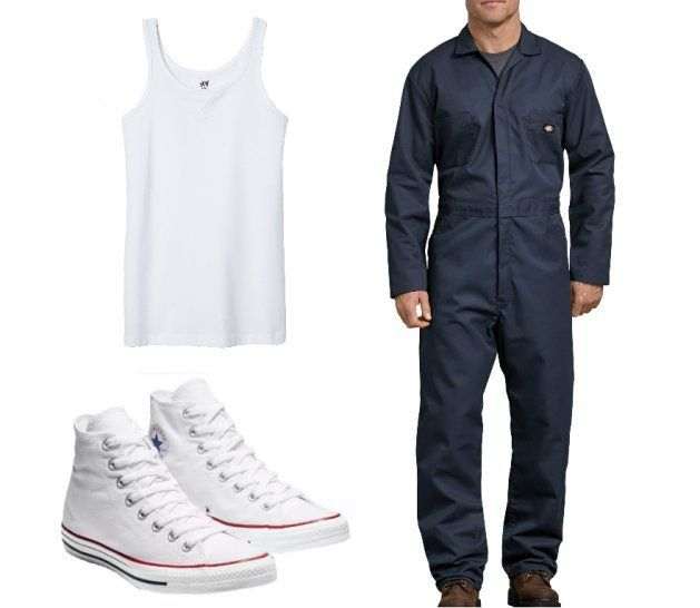 Camiseta blanca de tirantas, mono de trabajo azul y zapatillas deportivas
