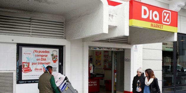 Una tienda de la cadena de supermercados Dia en