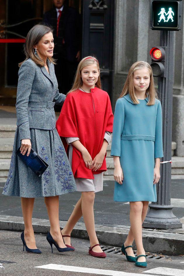La reina Letizia junto a la infanta Sofía y la princesa
