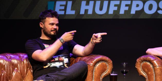 La polémica camiseta con la que Gabriel Rufián va a recibir a Acebes en el