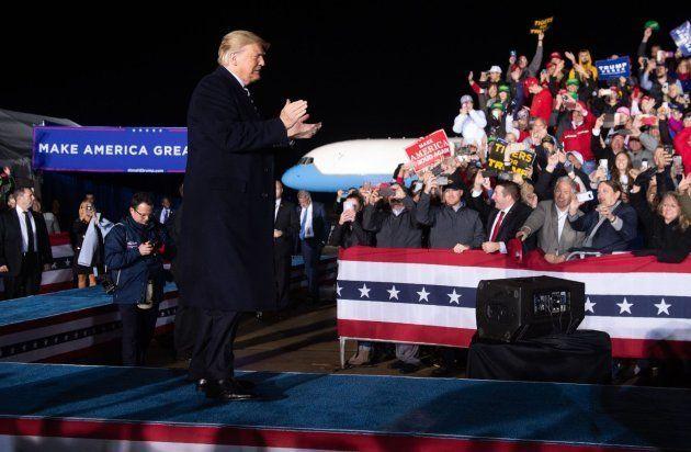 Donald Trump, durante un mitin de campaña en Columbia, Misuri (EE UU), el 1 de noviembre de