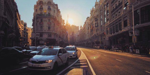 La Gran Vía de Madrid da la bienvenida a los primeros