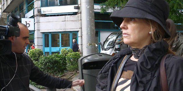 Rosalía Iglesias, perseguida por los medios a las puertas de su casa de Madrid, el pasado 29 de