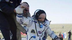 Tres astronautas regresan a la Tierra con el balón del Mundial de