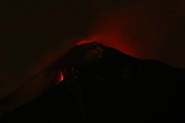 Imagen del volcán en plena