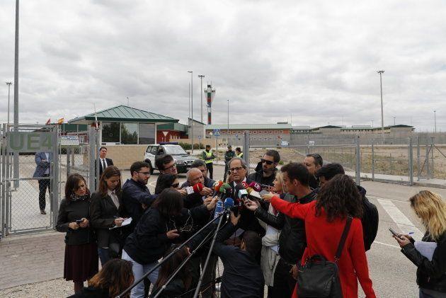 Quim Torra visita a los presos políticos catalanes en la cárcel de Estremera este