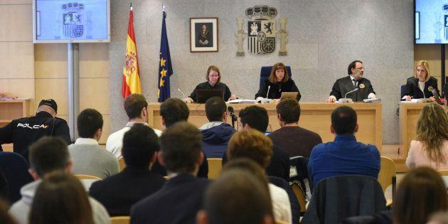Vista de la sala del juicio en la primera jornada del proceso en la Audiencia