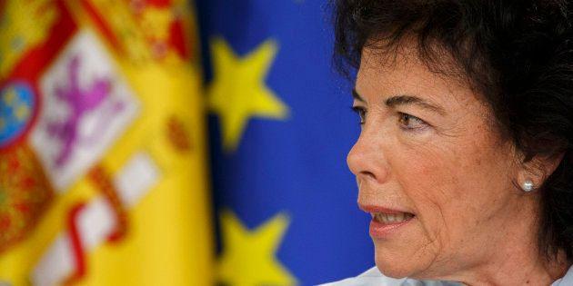 Isabel Celaá, ministra de Educación y portavoz del Gobierno, en una rueda de prensa dele Consejo de Ministros,...