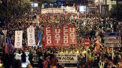 Miles de personas salen a la calle en Avilés al grito de