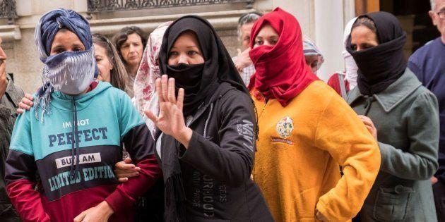 Violaciones, amenazas y abusos: así viven en Huelva las inmigrantes que trabajan la