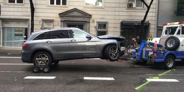 Un conductor pierde el control y embiste a varias personas en