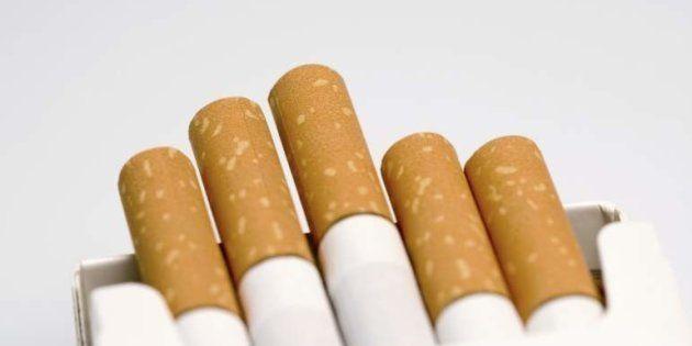 La impactante imagen de una campaña que compara las muertes por tabaco y por
