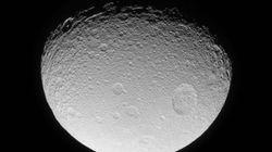 La foto de una luna de Saturno que 'alarma' a los fans de 'Star