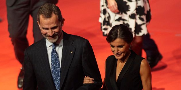 Aplauso a Garzón por su pregunta al PSOE sobre la monarquía en España: