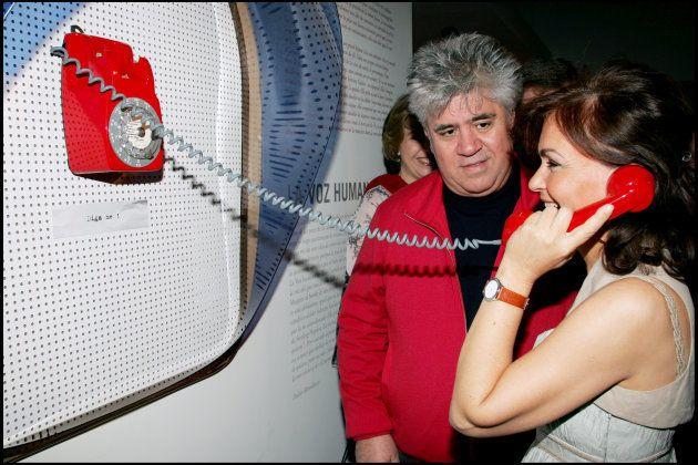 Carmen Calvo y Pedro Almodóvar en la exposición sobre el director manchego de la Cinemateca