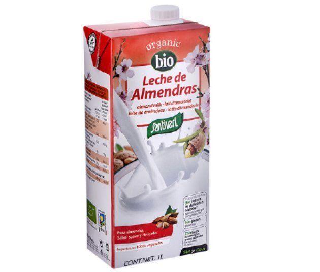 Un ejemplar de la leche de almendras de la marca Santiveri de la categoría