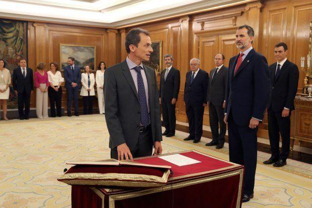 Pedro Duque promete su cargo como ministro de Ciencia, Innovación y
