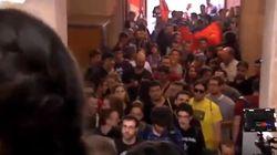 Estudiantes independentistas boicotean un acto a Cervantes en la Universidad de