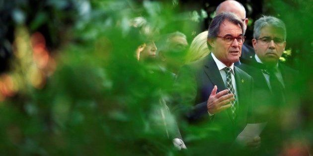 Artur Mas frente al Parlament denuncia la multa del Tribunal de