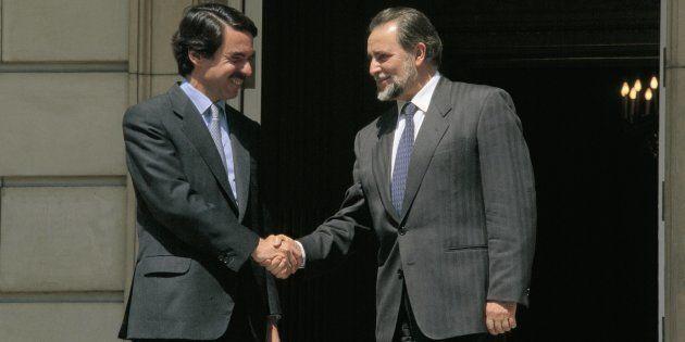 Julio Anguita cuenta por qué no contestó al pésame de Aznar por la muerte de su