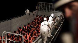 El 'Aquarius' y dos barcos militares italianos trasladarán a los 629 migrantes a