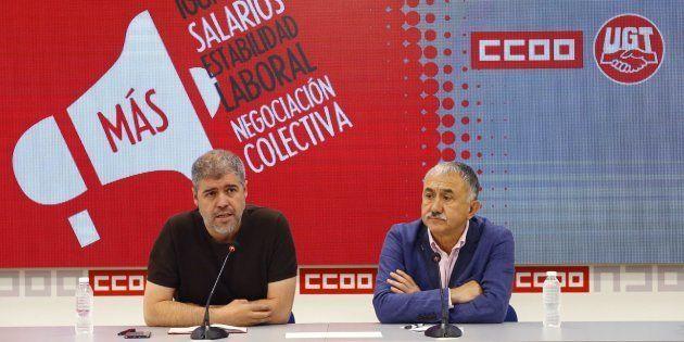 Los secretarios generales de UGT y CCOO, Pepe Álvarez y Unai Sordo, en una rueda de