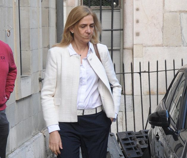 Cristina de Borbón sale de su domicilio este martes, tras conocer la sentencia del