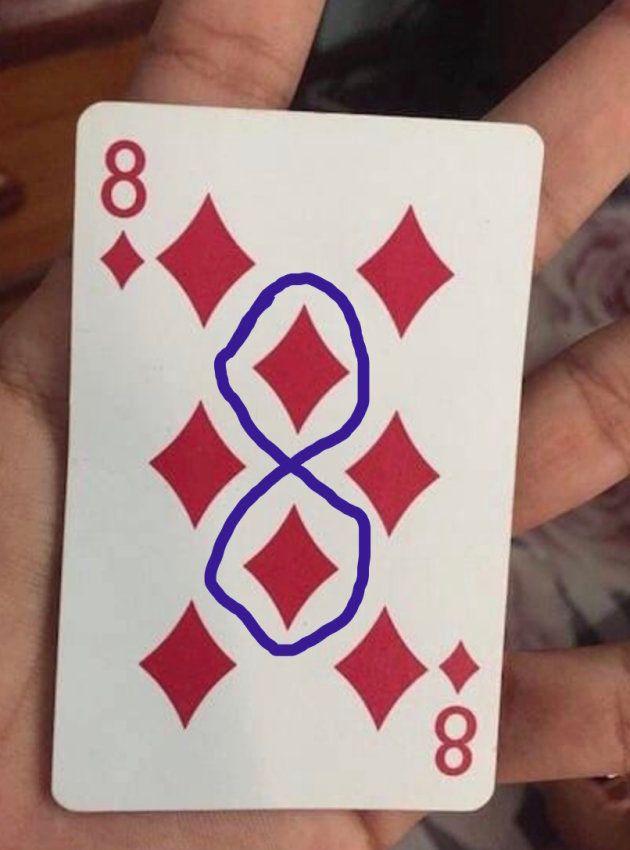 El ocho de diamantes tiene un ocho en el