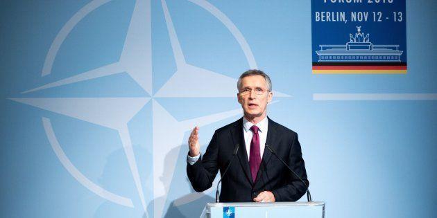 El secretario general de la OTAN, Jens Stoltenberg, interviene durante el Foro