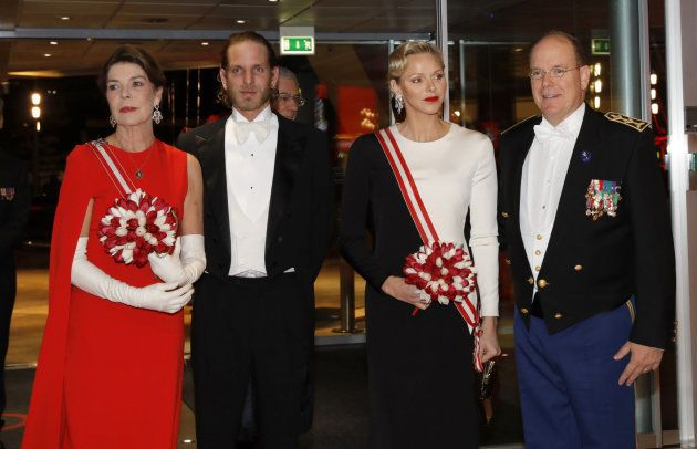 Carolina de Mónaco le copia a la reina Letizia uno de sus vestidos más